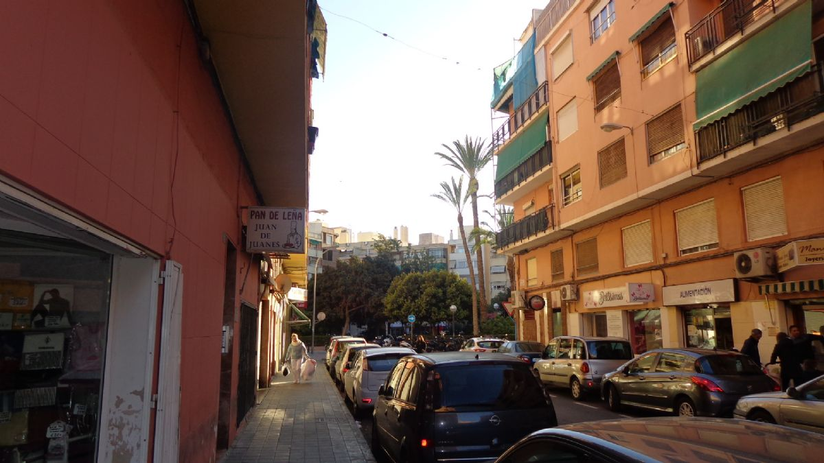 Piso en venta en Los Angeles, Alicante/alacant, Alicante, Calle Francisco Montero Perez, 54.000 €, 3 habitaciones, 1 baño, 115 m2