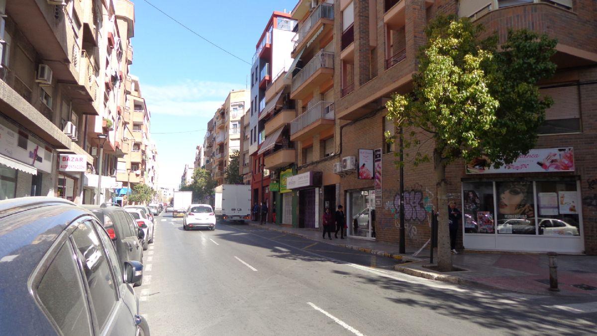 Piso en venta en San Blas, Alicante/alacant, Alicante, Avenida Conde Soto Ameno, 65.000 €, 3 habitaciones, 1 baño, 75 m2