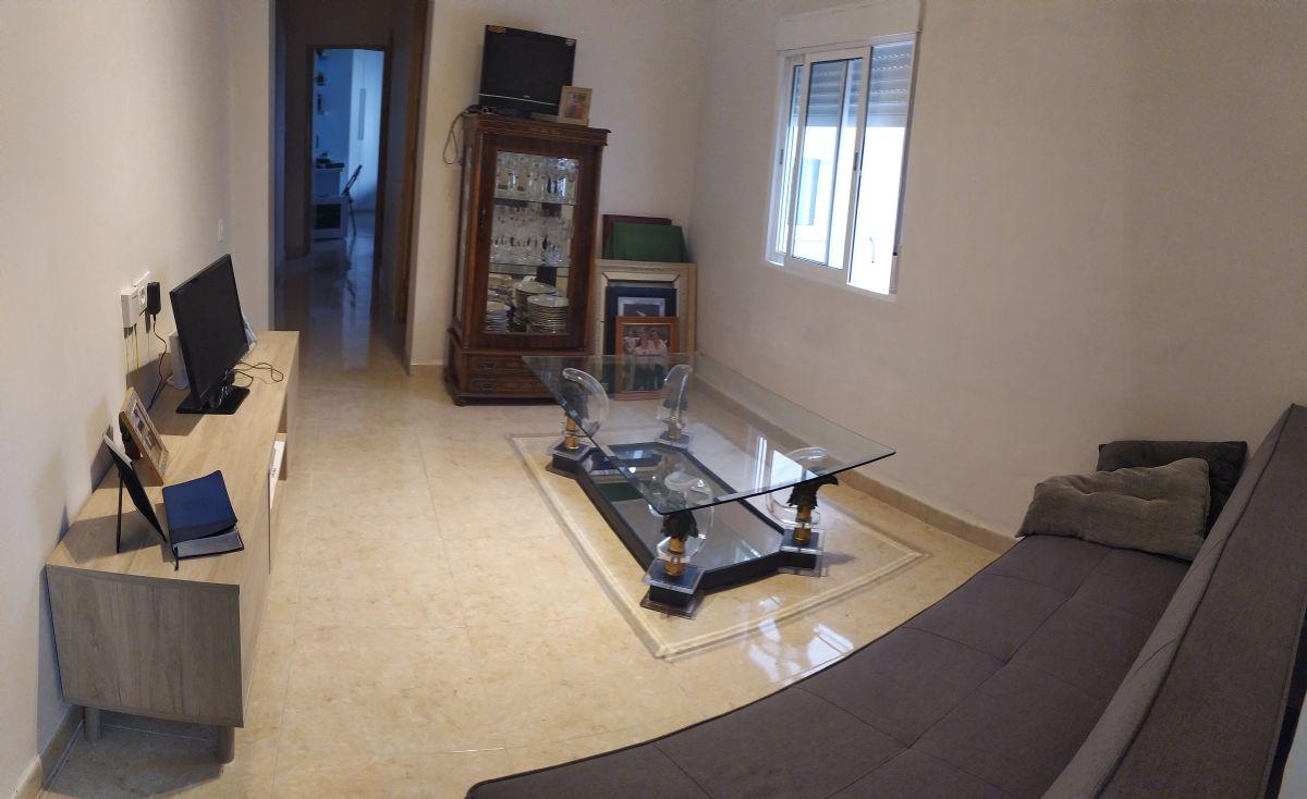 Piso en venta en 40002, Almería, Almería, Calle Cucarro, 64.000 €, 3 habitaciones, 1 baño, 73 m2