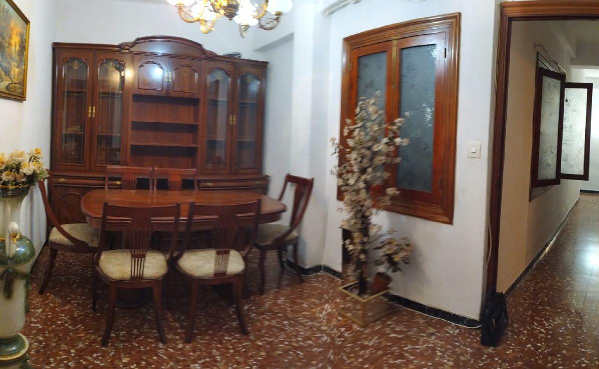 Piso en venta en 40002, Almería, Almería, Calle Jesús de Perceval, 83.900 €, 3 habitaciones, 1 baño, 100 m2