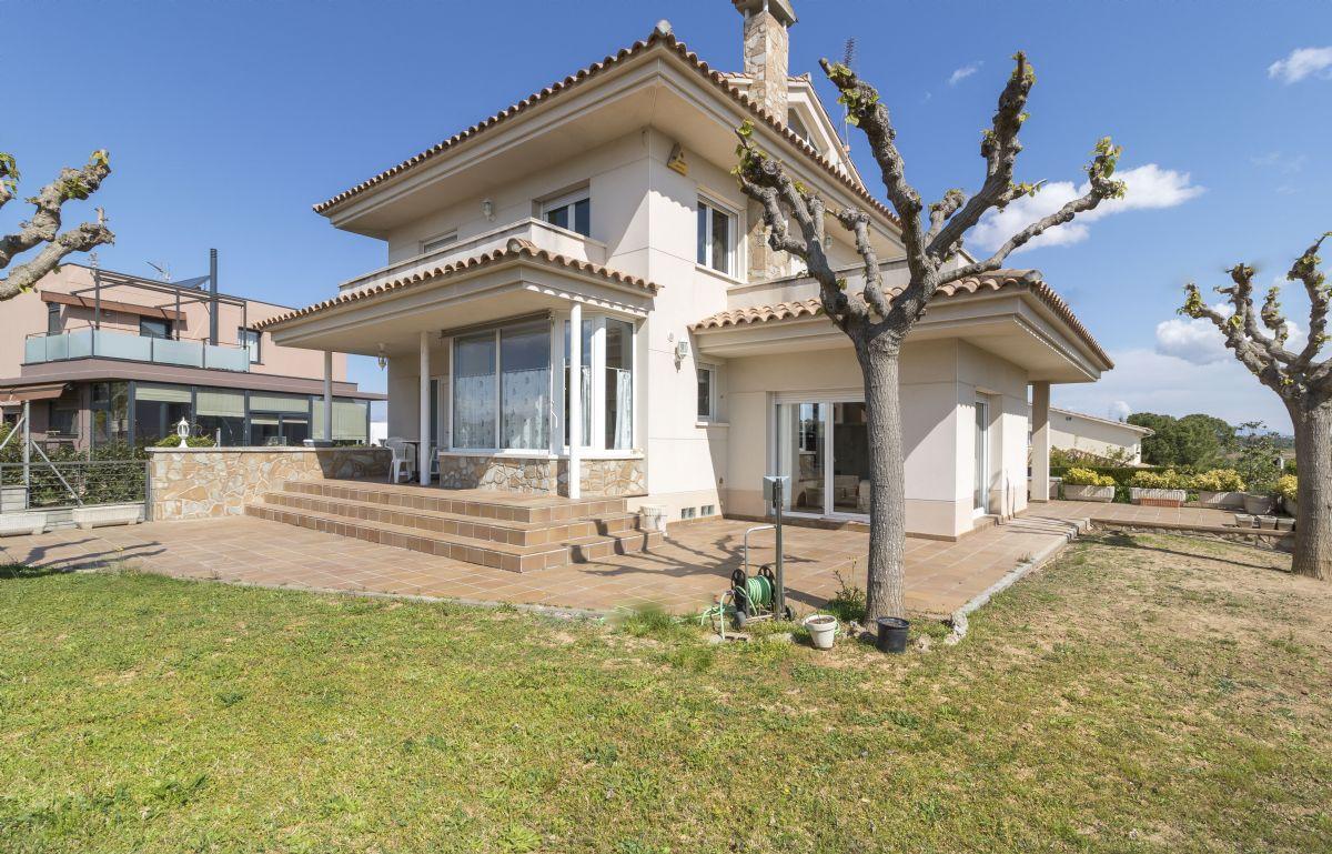 Casa en venta en Olèrdola, Barcelona, Calle Carrer de la Fondalada de la Sequera, 453.000 €, 5 habitaciones, 3 baños, 228 m2