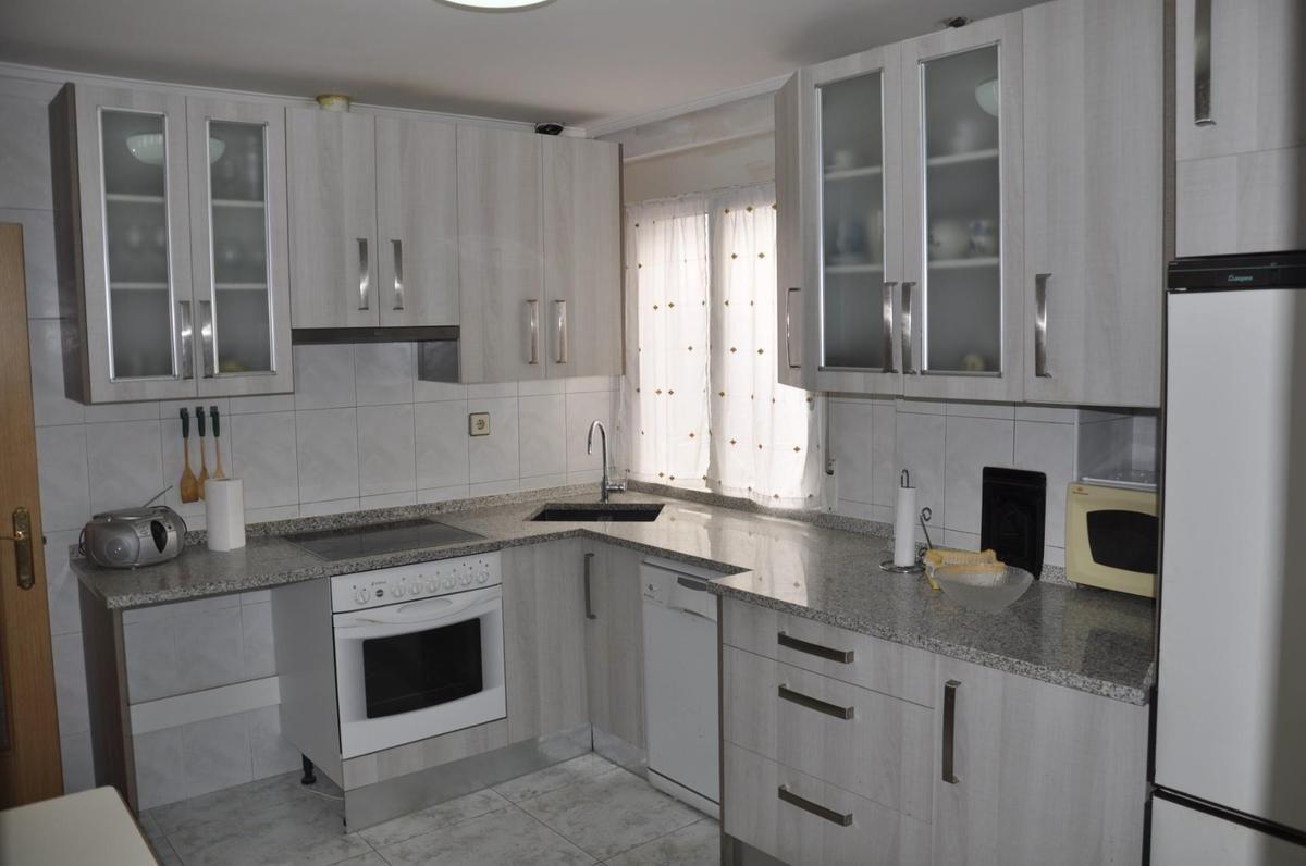 Piso en venta en Medina de Pomar, Burgos, Avenida Bilbao, 48.000 €, 3 habitaciones, 1 baño, 97 m2
