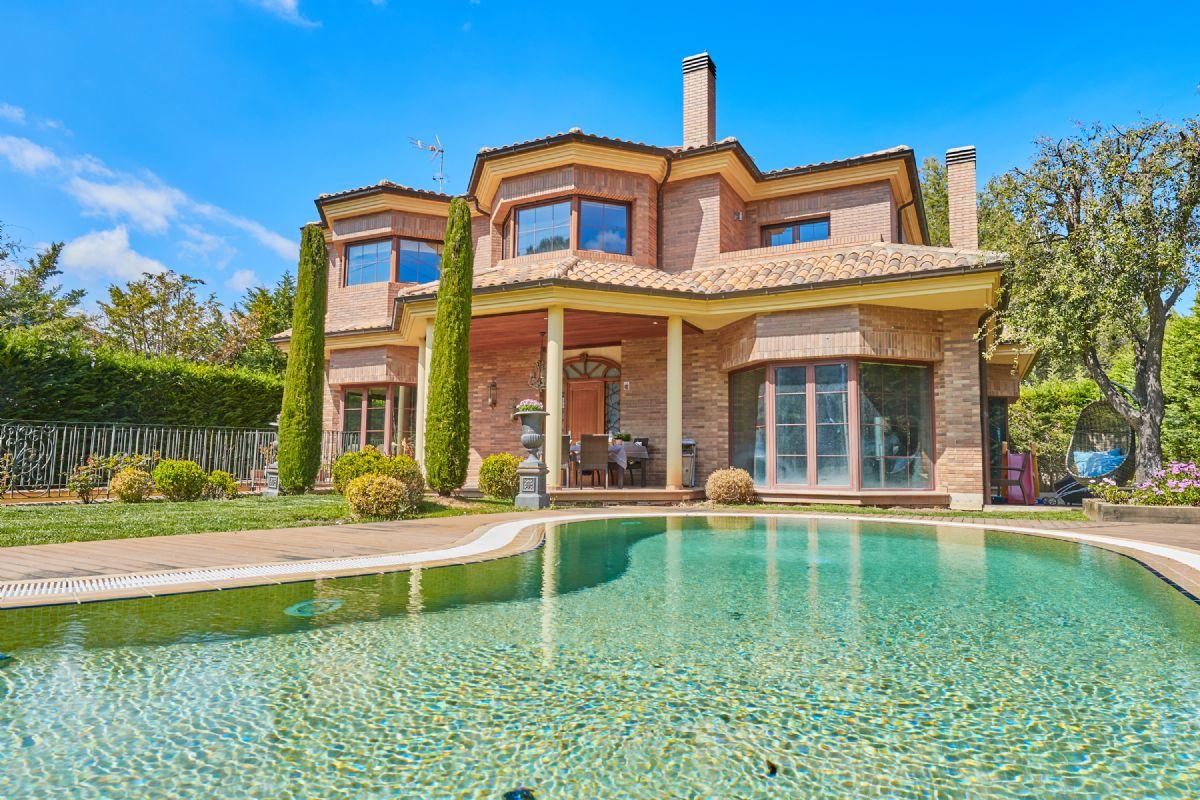 Casa en venta en Begues, Barcelona, Avenida Mediterranea, 785.000 €, 4 habitaciones, 4 baños, 555 m2