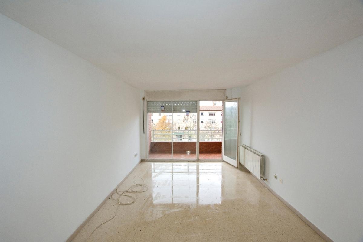 Piso en venta en Vic, Barcelona, Avenida Paisos Catalans, 115.500 €, 4 habitaciones, 2 baños, 98 m2
