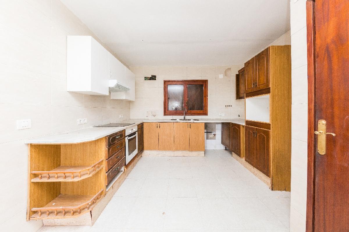 Casa en venta en Pallejà, Barcelona, Calle Ronda Montmany, 310.500 €, 4 habitaciones, 2 baños, 220 m2