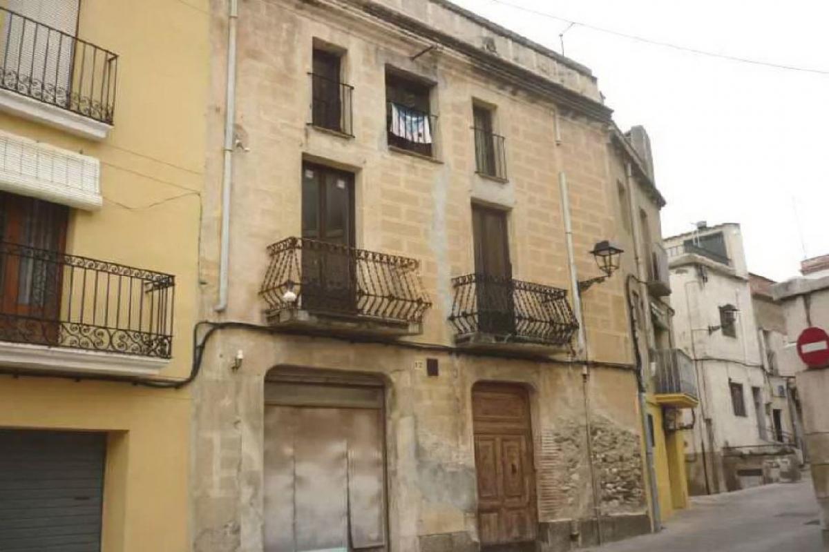 Piso en venta en Mont-roig del Camp, Tarragona, Plaza Mossen Gaieta Ivern, 375.500 €, 3 habitaciones, 3 baños, 415 m2