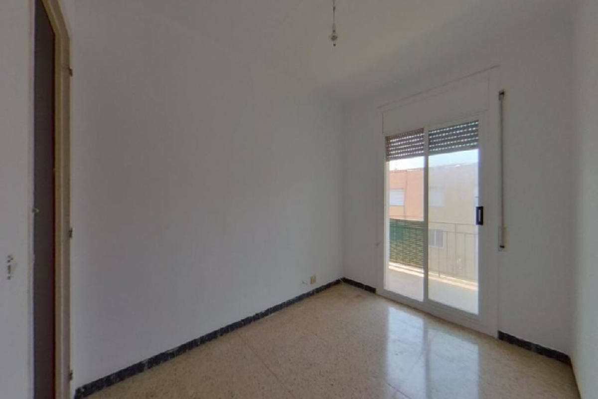 Piso en venta en Maçanet de la Selva, Girona, Calle Fira, 77.500 €, 3 habitaciones, 1 baño, 93 m2