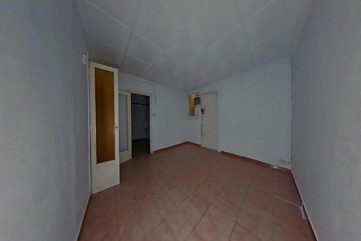 Piso en venta en Ciutat Vella, Barcelona, Barcelona, Calle Carretas, 163.500 €, 3 habitaciones, 1 baño, 48 m2