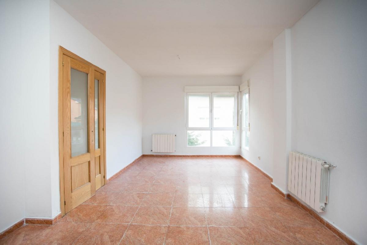 Casa en venta en Estación de El Espinar, El Espinar, Segovia, Calle Riaza, 100.000 €, 3 habitaciones, 2 baños, 110 m2