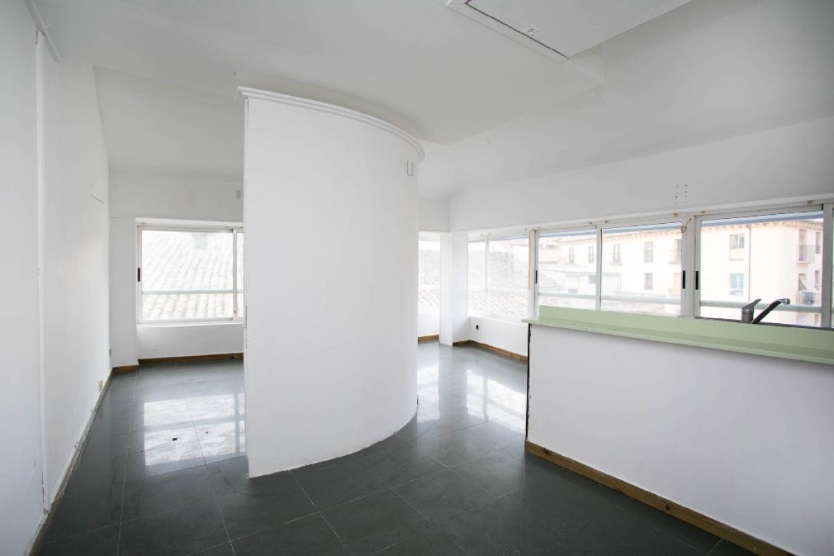 Piso en venta en Barrio de San Lorenzo, Huesca, Huesca, Plaza Nuestra Señora de Salas, 39.000 €, 1 habitación, 1 baño, 39 m2
