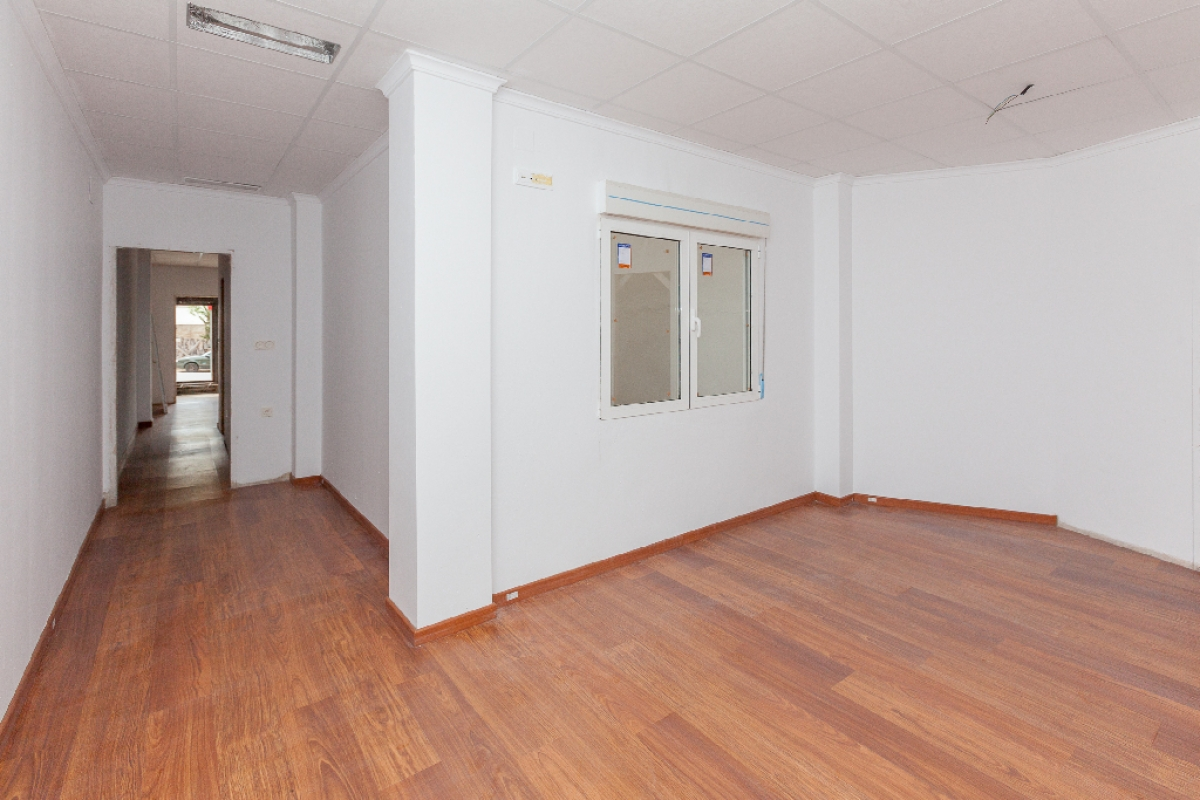 Piso en venta en Piso en Biar, Alicante, 56.000 €, 1 habitación, 2 baños, 86 m2