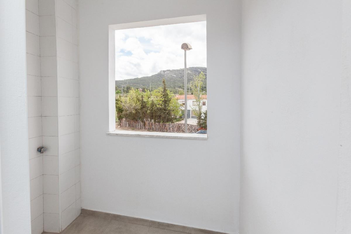 Piso en venta en Piso en Biar, Alicante, 58.000 €, 2 habitaciones, 1 baño, 103 m2