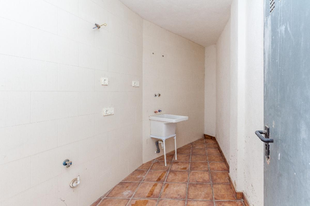 Piso en venta en Piso en Biar, Alicante, 54.000 €, 2 habitaciones, 1 baño, 77 m2