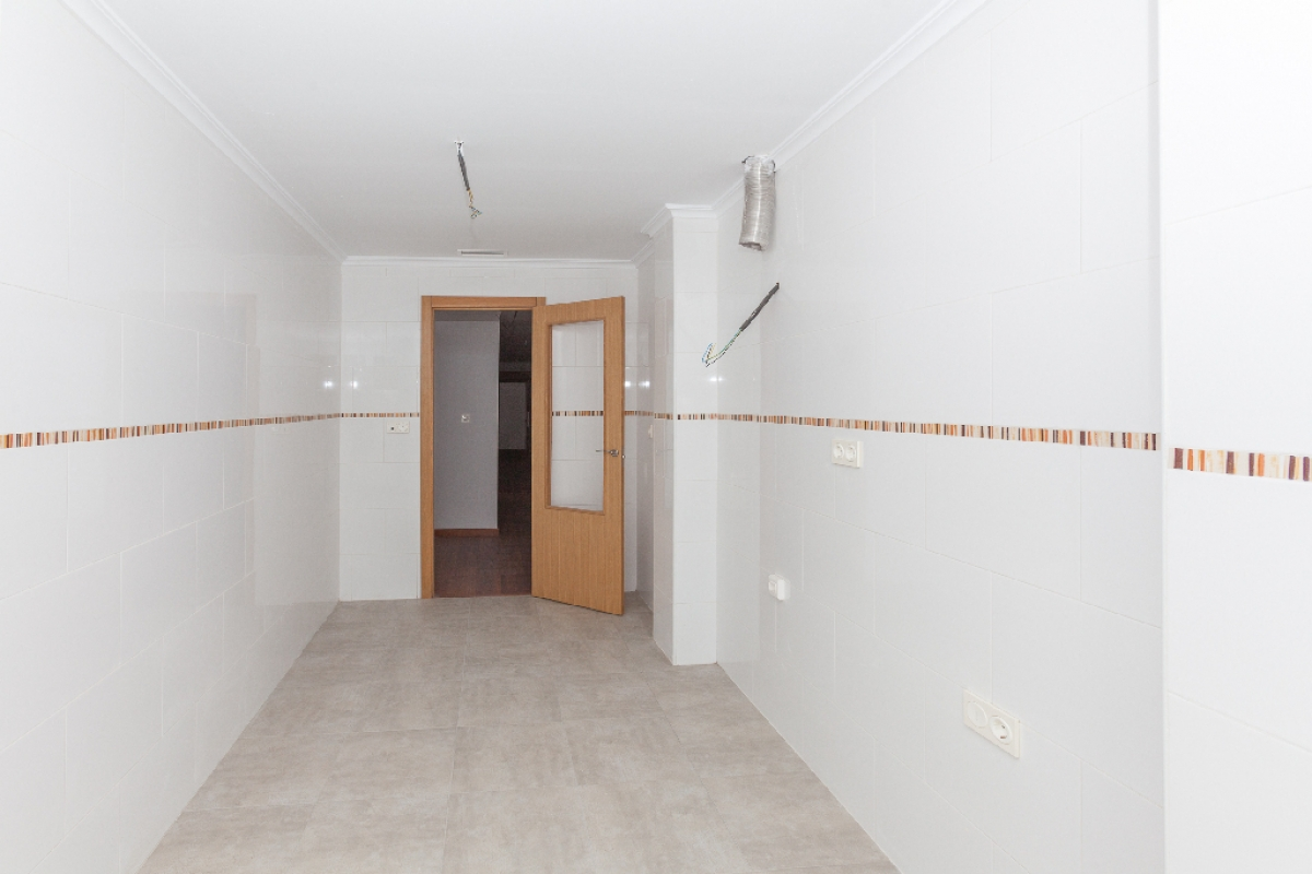 Piso en venta en Piso en Biar, Alicante, 60.000 €, 3 habitaciones, 2 baños, 87 m2