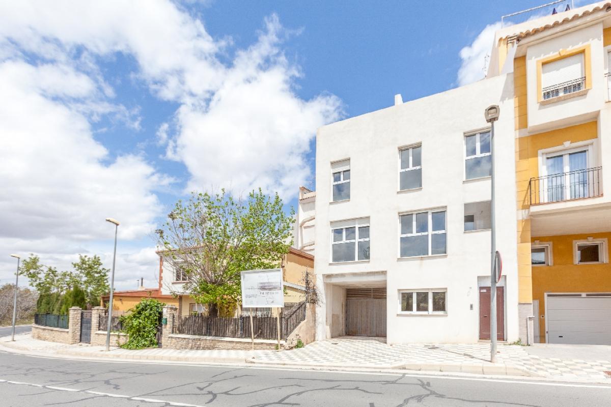 Piso en venta en Piso en Biar, Alicante, 61.000 €, 2 habitaciones, 2 baños, 82 m2