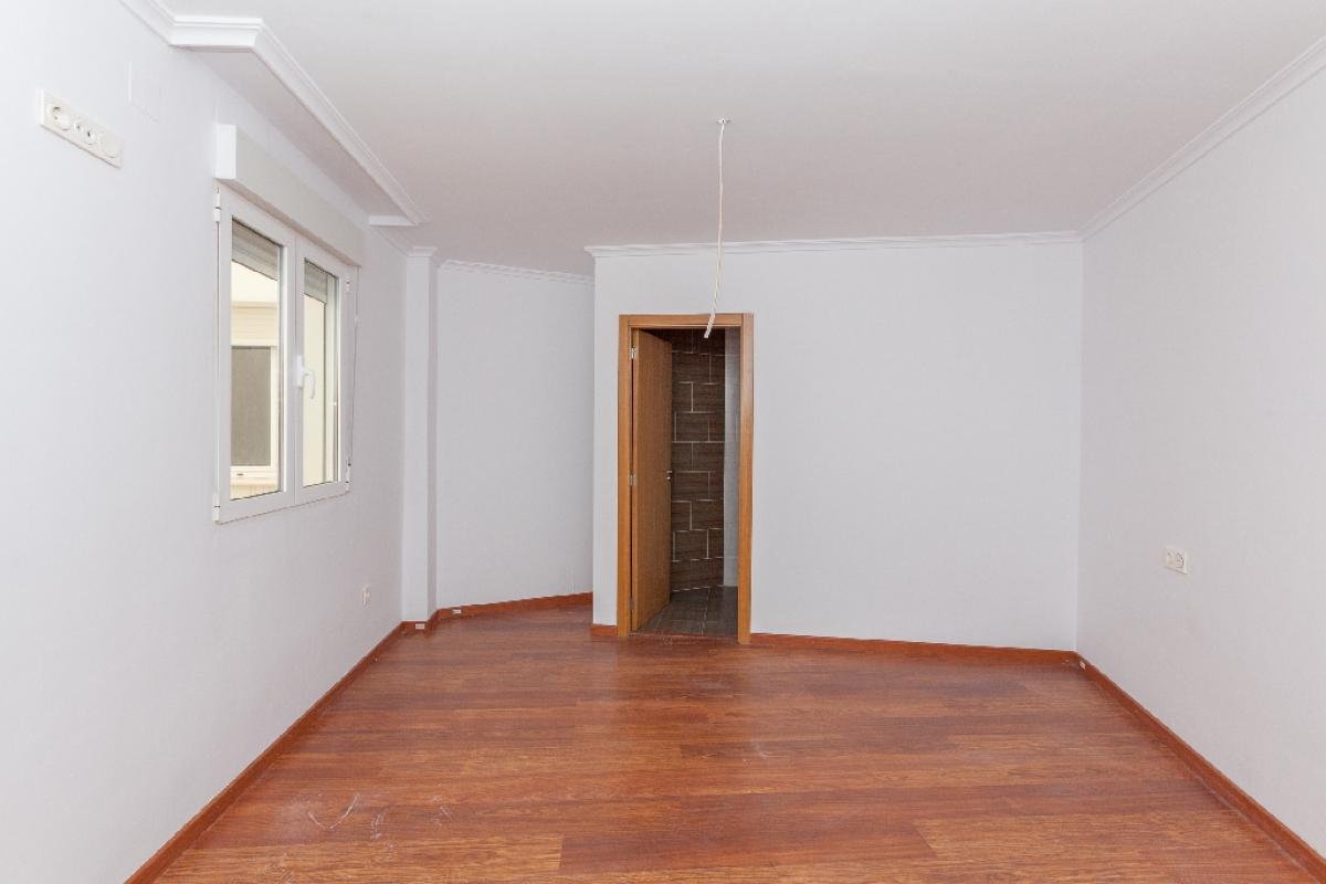 Piso en venta en Piso en Biar, Alicante, 93.000 €, 3 habitaciones, 2 baños, 175 m2
