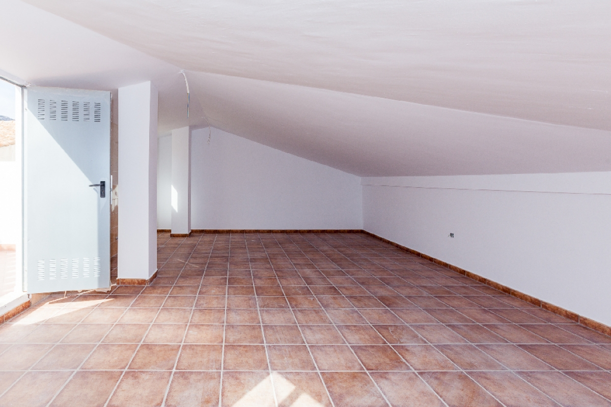 Piso en venta en Piso en Biar, Alicante, 62.500 €, 3 habitaciones, 2 baños, 87 m2