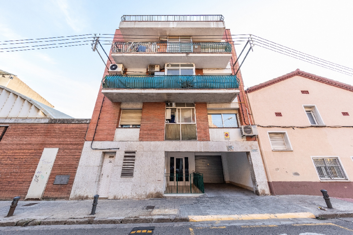 Local en venta en Tiana-pont Vell, Ripollet, Barcelona, Calle Tamarit, 170.000 €, 669 m2