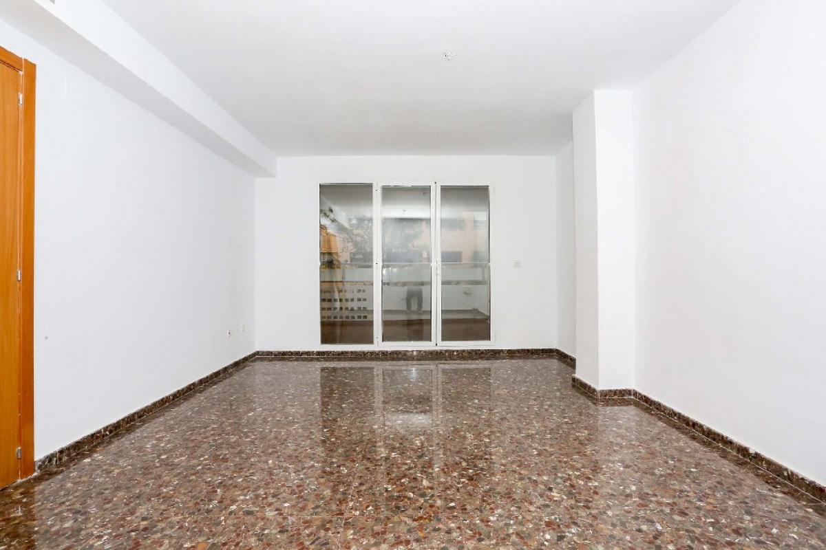 Piso en venta en Picassent, Valencia, Calle Ernesto Pastor Soler, 112.500 €, 4 habitaciones, 2 baños, 144 m2