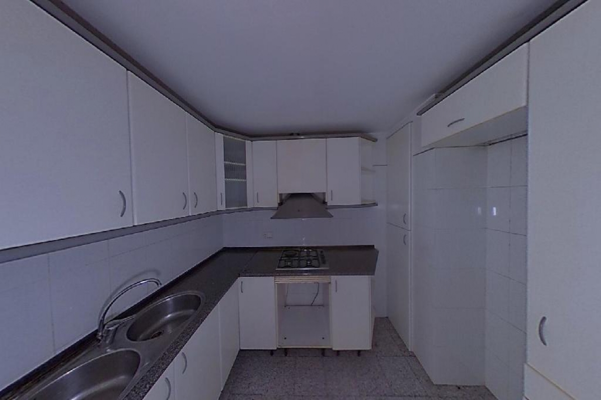 Piso en venta en Piso en Altea, Alicante, 106.000 €, 3 habitaciones, 1 baño, 103 m2