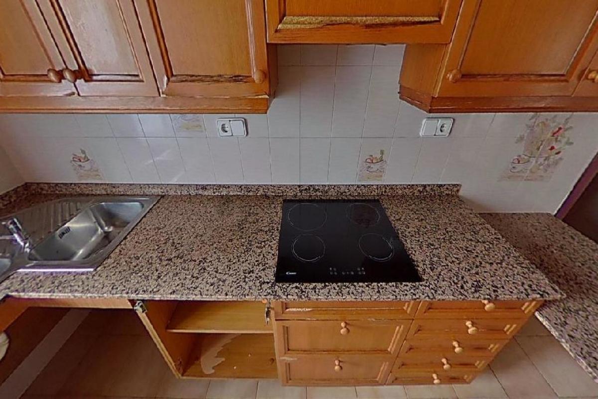 Piso en venta en Piso en Amposta, Tarragona, 66.000 €, 4 habitaciones, 2 baños, 126 m2