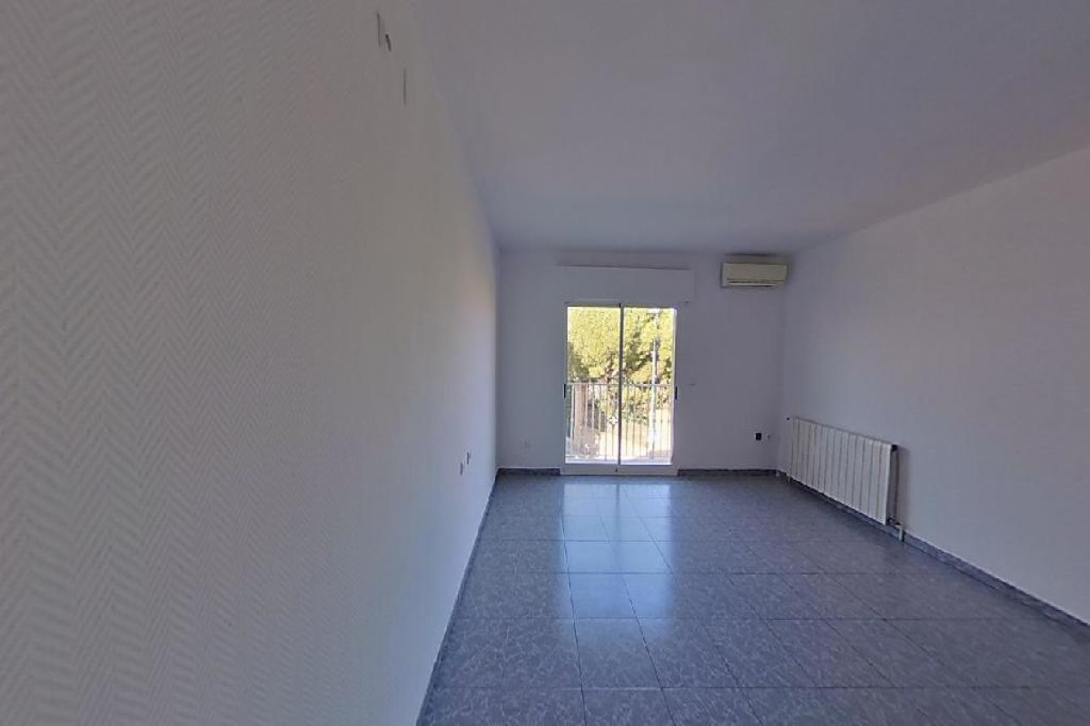 Piso en venta en Cartagena, Murcia, Calle Antonio Serrano  Esq. Tomas Franco, 84.000 €, 3 habitaciones, 1 baño, 143 m2