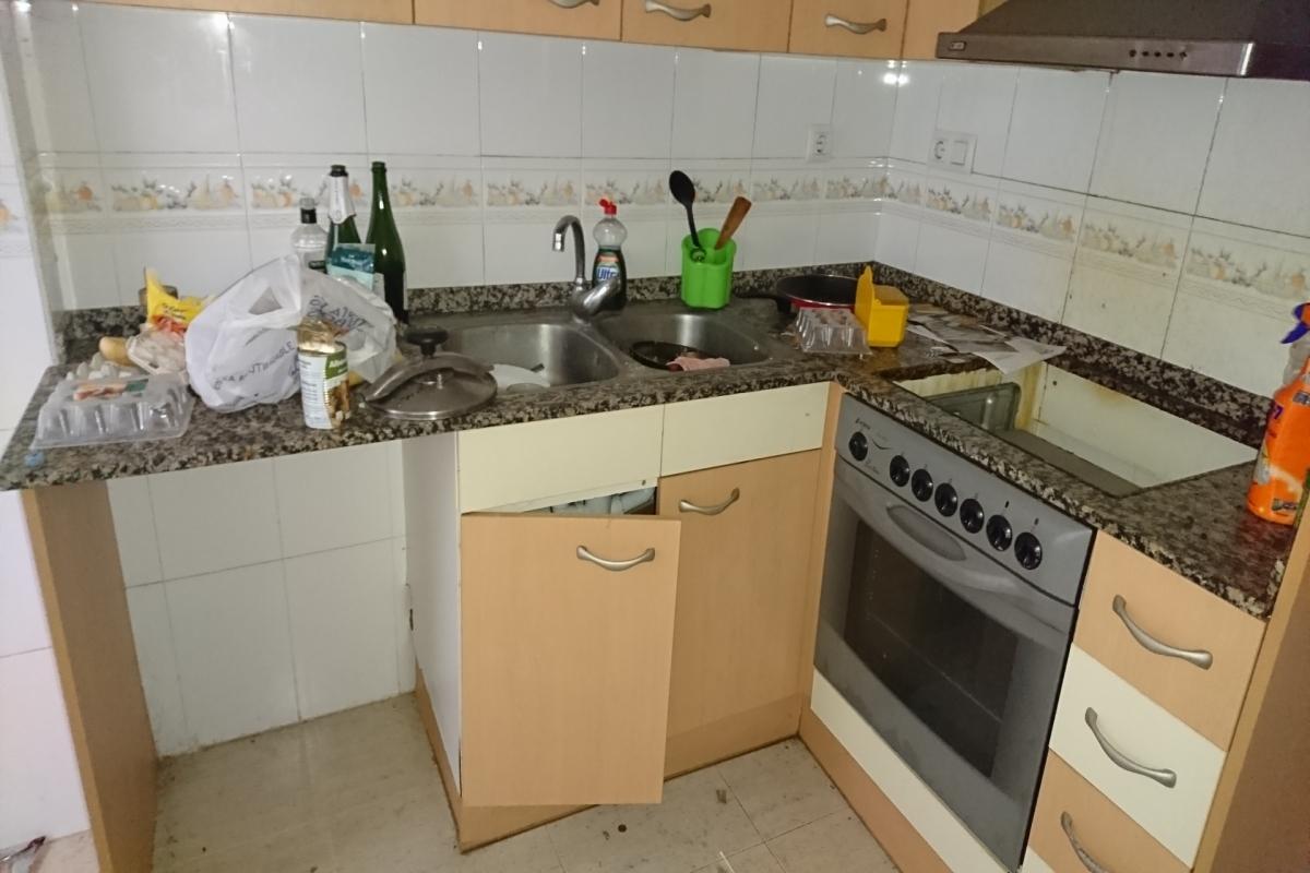Piso en venta en Vinaròs, Castellón, Calle Traval, 127.000 €, 3 habitaciones, 2 baños, 125 m2
