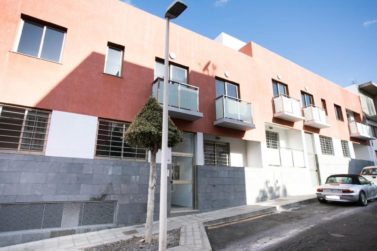Piso en venta en Los Llanos de Aridane, Santa Cruz de Tenerife, Calle Tomas Breton, 127.050 €, 3 habitaciones, 2 baños, 101 m2
