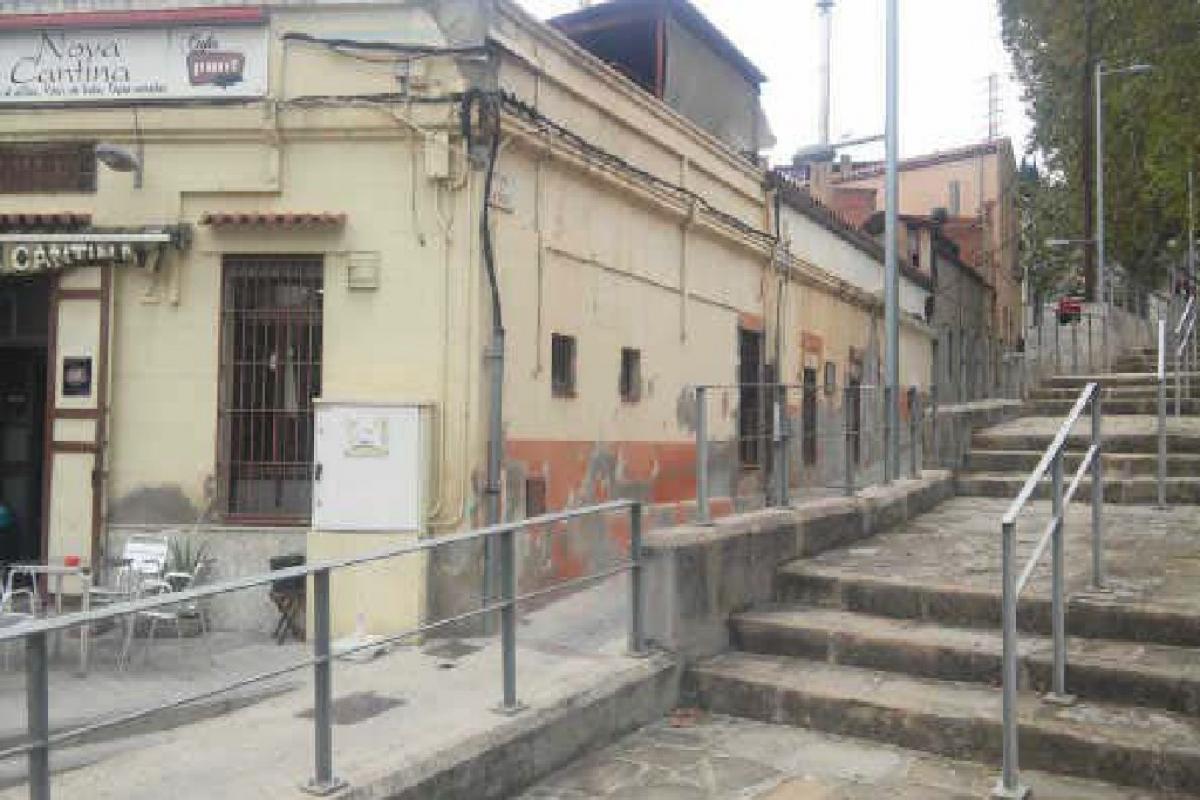 Local en venta en Sabadell, Barcelona, Calle Pujada de la Salut, 140.000 €, 163 m2