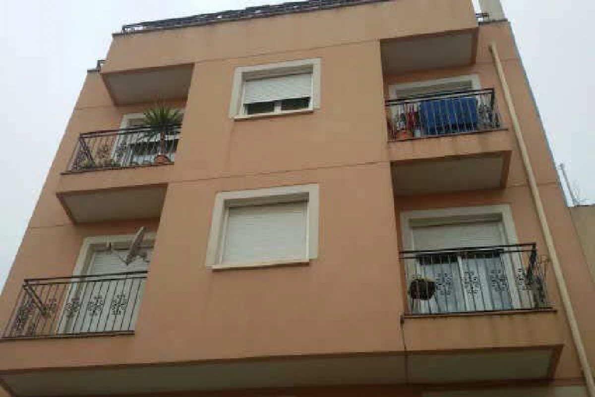 Piso en venta en Amposta, Tarragona, Pasaje Paseo Diana, 76.000 €, 4 habitaciones, 2 baños, 160 m2