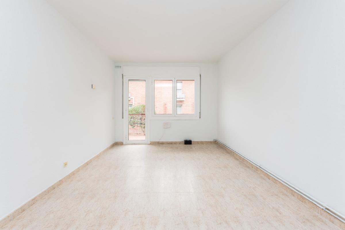 Piso en venta en Sant Antoni de Vilamajor, Barcelona, Calle Mossen Jacint Verdaguer, 128.000 €, 3 habitaciones, 1 baño, 87 m2