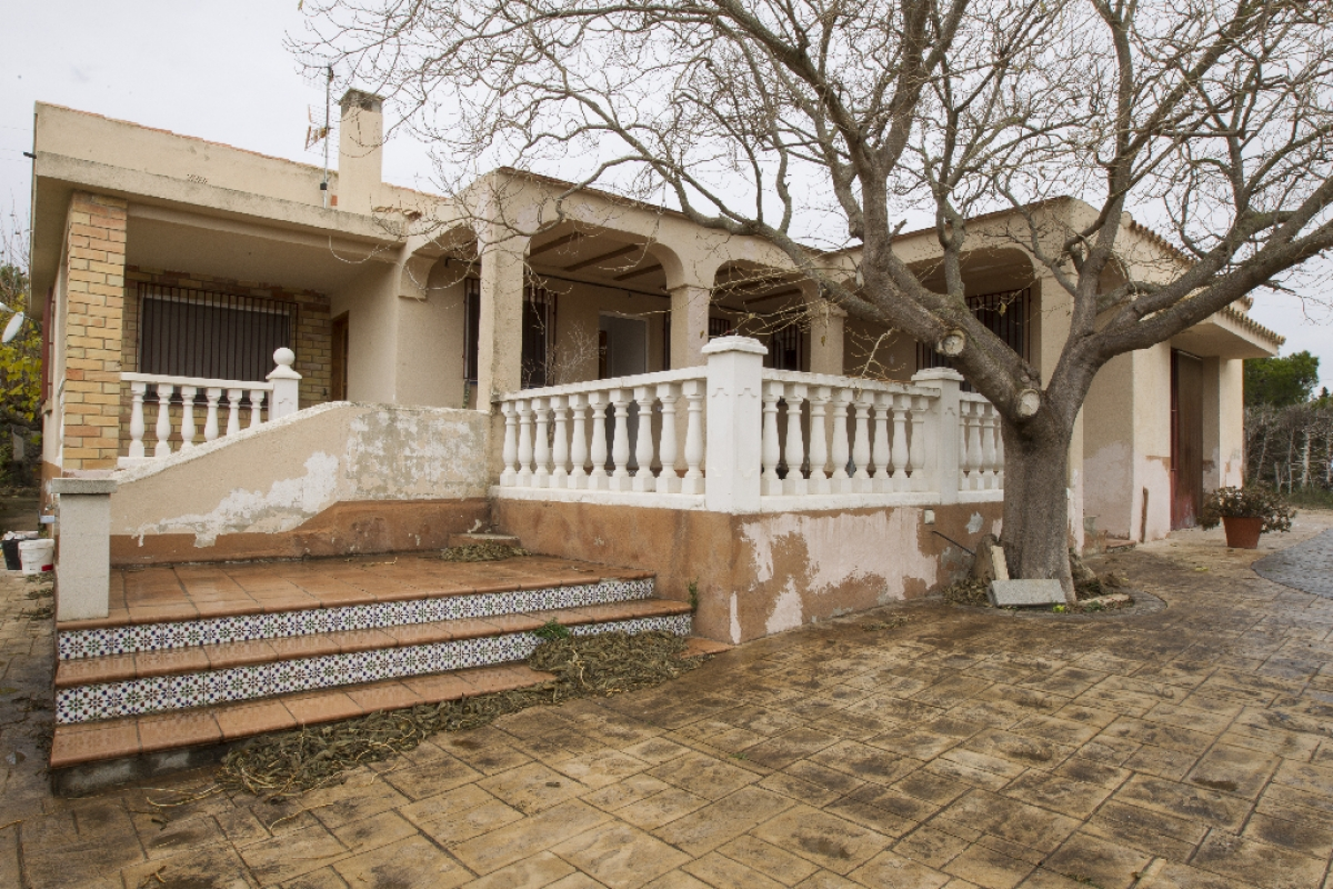 Casa en venta en Tortosa, Tarragona, Calle San Bernabe, 159.500 €, 4 habitaciones, 2 baños, 161 m2