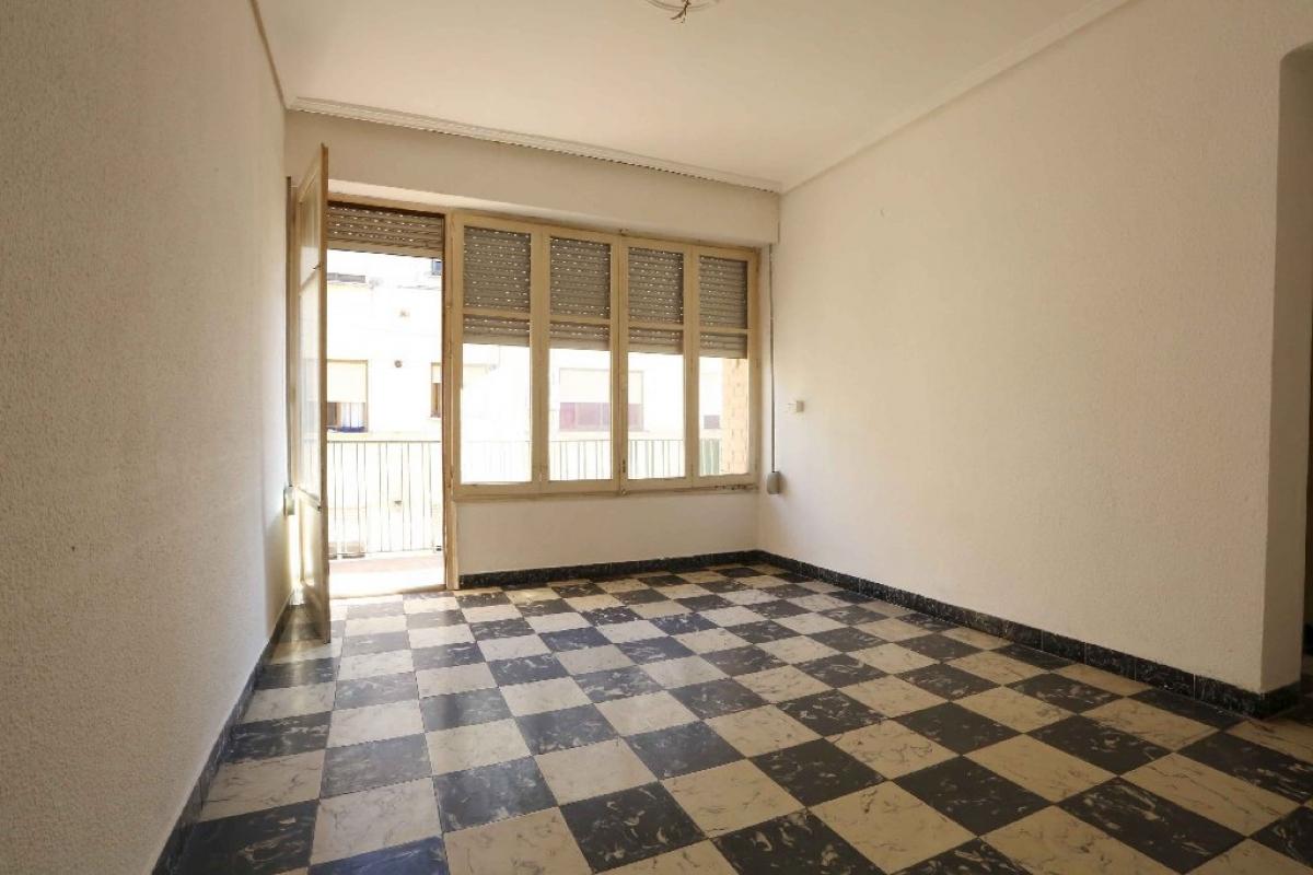 Piso en venta en Vila-real, Castellón, Calle Corcega, 35.000 €, 3 habitaciones, 1 baño, 74 m2