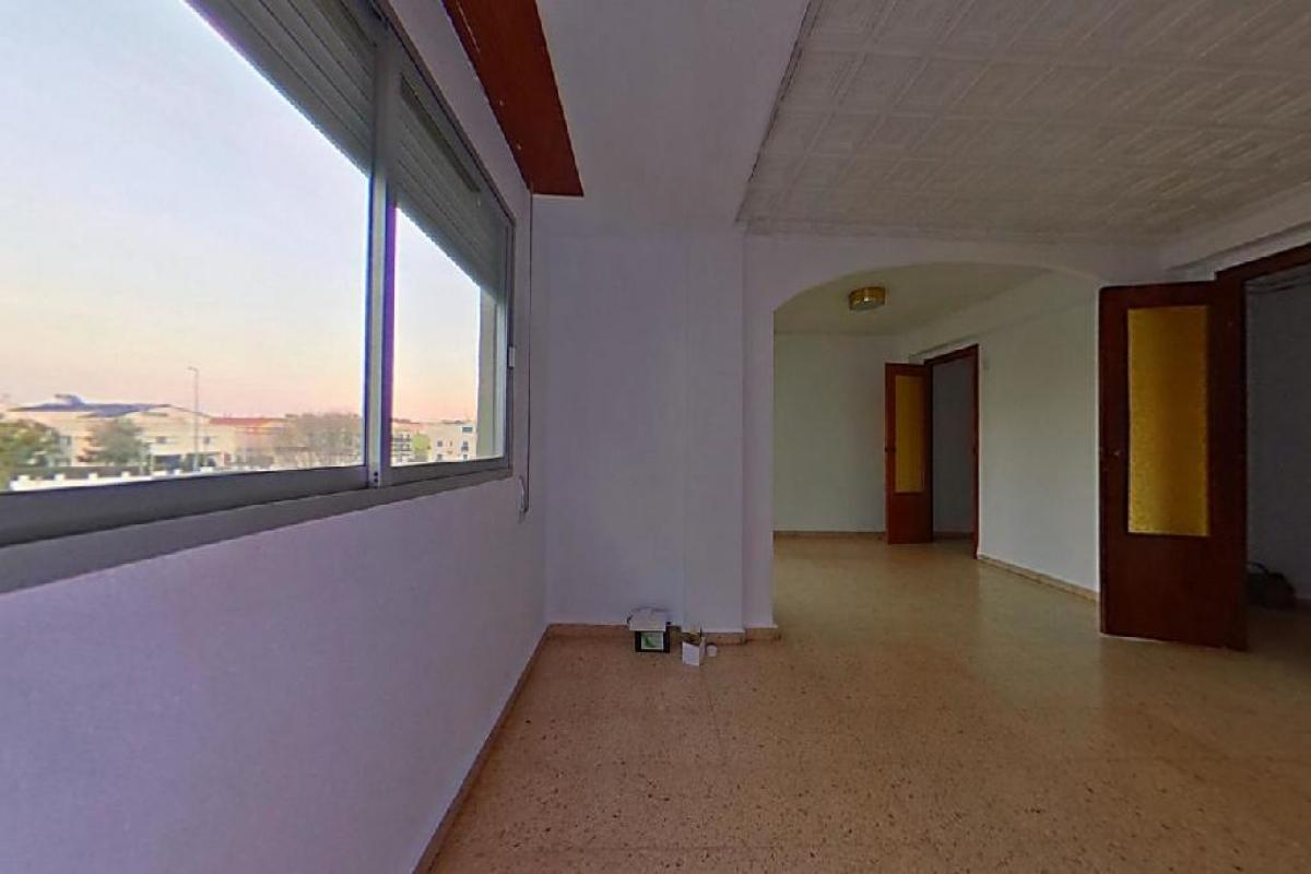 Piso en venta en Benirredrà, Gandia, Valencia, Calle Cantant Merce Melo, 56.000 €, 3 habitaciones, 2 baños, 106 m2