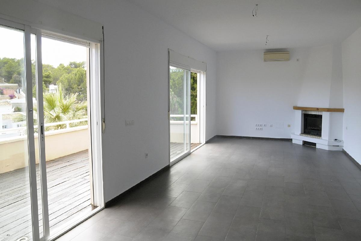 Casa en venta en La Nucia, Alicante, Calle Foia de Castalla, 244.500 €, 4 habitaciones, 4 baños, 260 m2