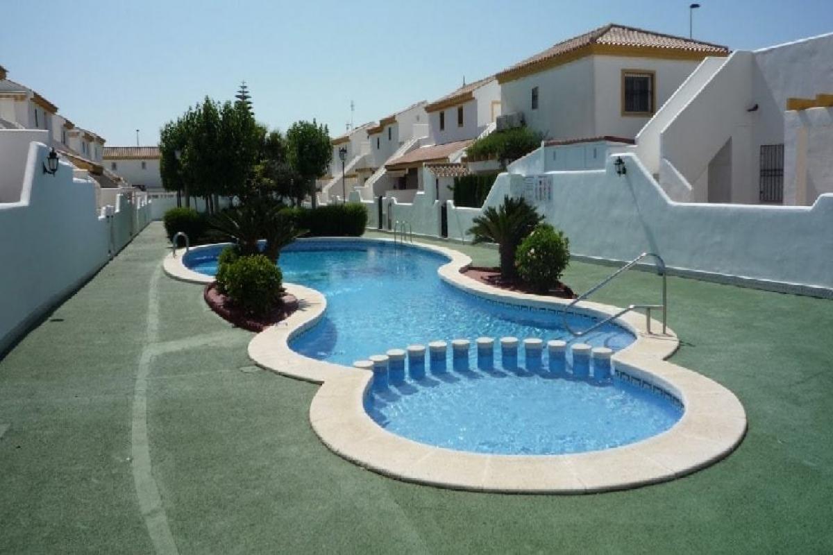 Local en venta en Pilar de la Horadada, Alicante, Calle Pueblo Latino C, 49.500 €, 64 m2