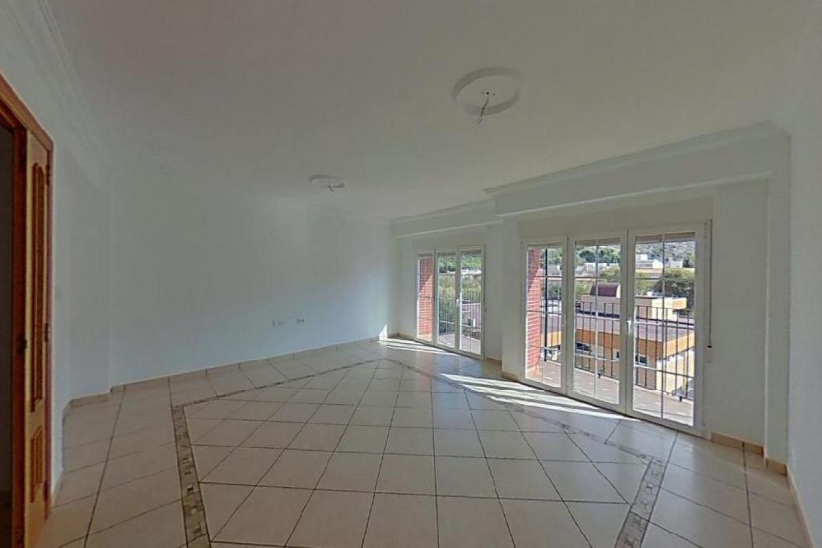 Piso en venta en Villena, Alicante, Calle San Sebastián, 54.000 €, 4 habitaciones, 2 baños, 160 m2