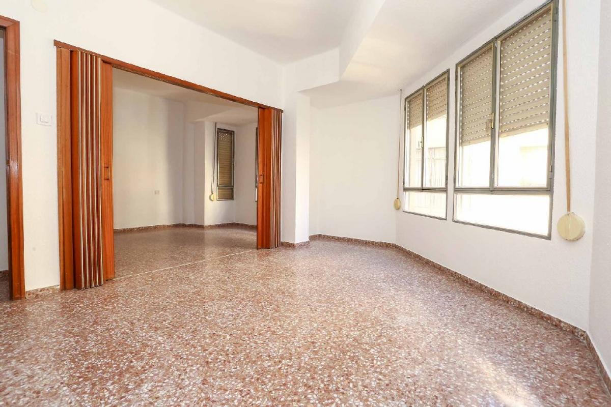 Piso en venta en Burriana, Castellón, Calle San Cristobal, 37.500 €, 3 habitaciones, 1 baño, 97 m2