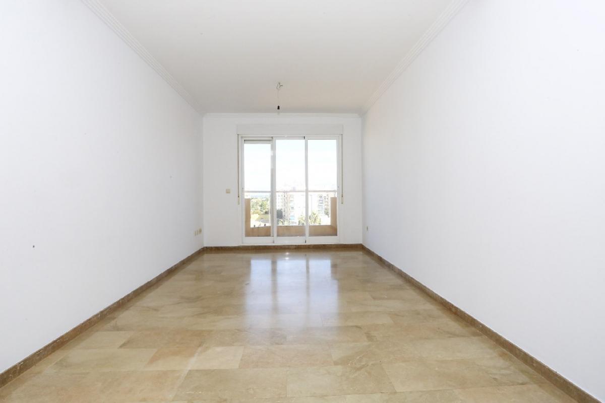 Piso en venta en La Oliva, Las Palmas, Calle Calixto Iii, 89.500 €, 3 habitaciones, 2 baños, 105 m2