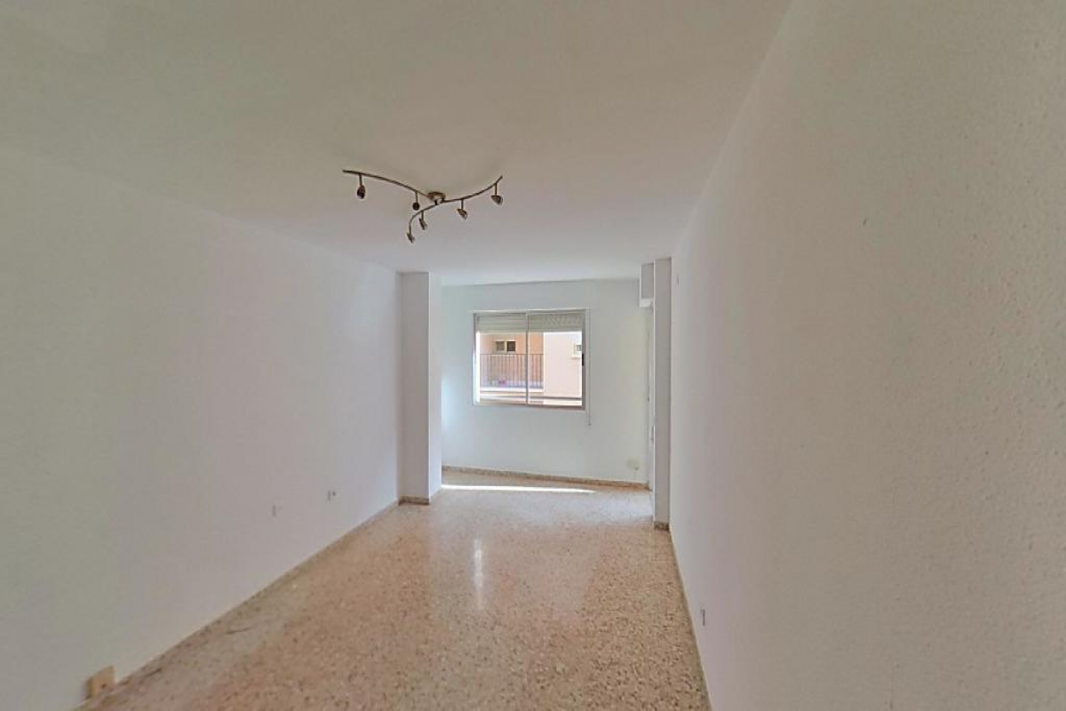 Piso en venta en Onda, Castellón, Calle Historiador Bernardo Mundina, 44.000 €, 4 habitaciones, 2 baños, 102 m2