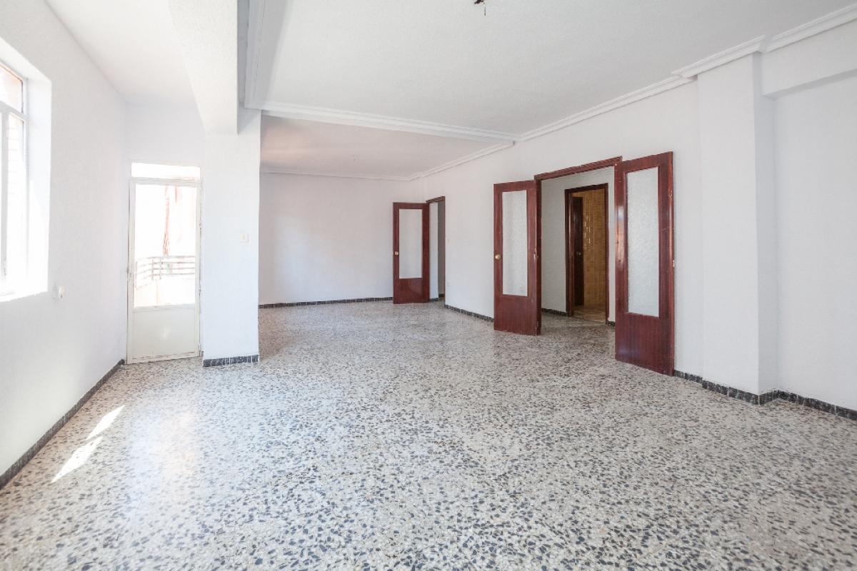 Piso en venta en Yecla, Murcia, Calle Santa Barbara, 40.000 €, 4 habitaciones, 2 baños, 100 m2