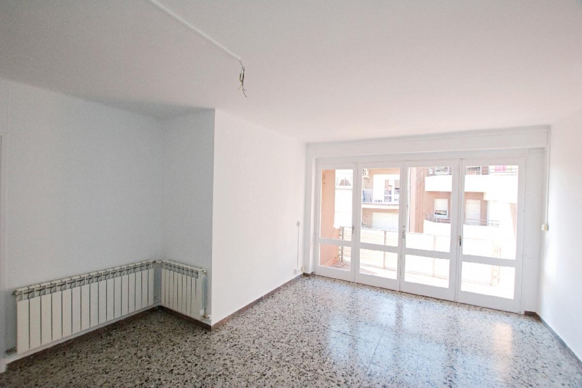 Piso en venta en Berga, Barcelona, Calle Compte Oliba, 110.000 €, 4 habitaciones, 2 baños, 124 m2