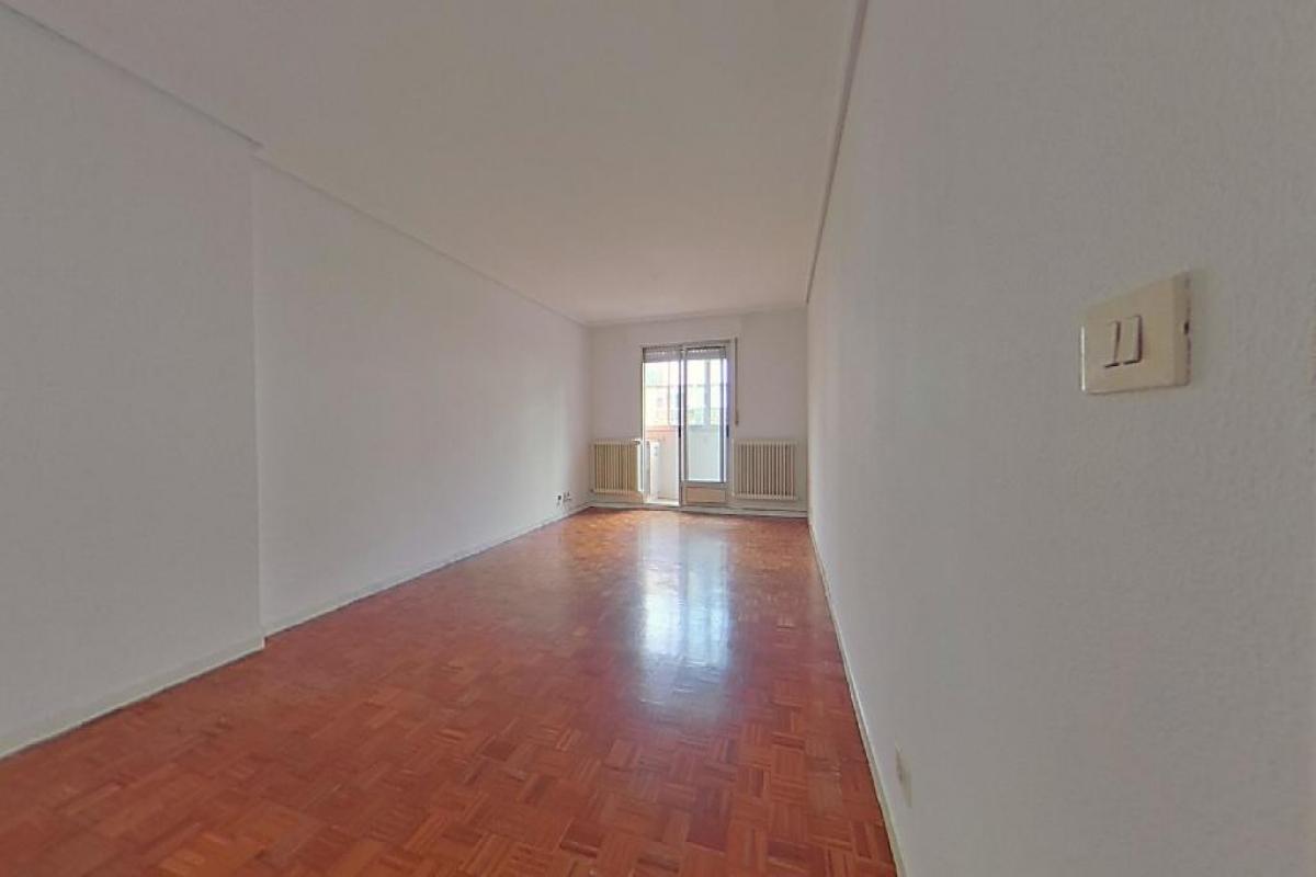 Piso en venta en Burgos, Burgos, Calle Merida, 136.500 €, 3 habitaciones, 2 baños, 126 m2