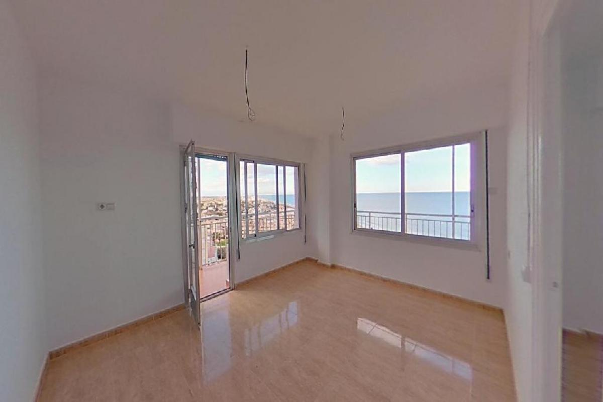 Piso en venta en Cullera, Valencia, Calle Farola Faro, 97.000 €, 3 habitaciones, 1 baño, 91 m2
