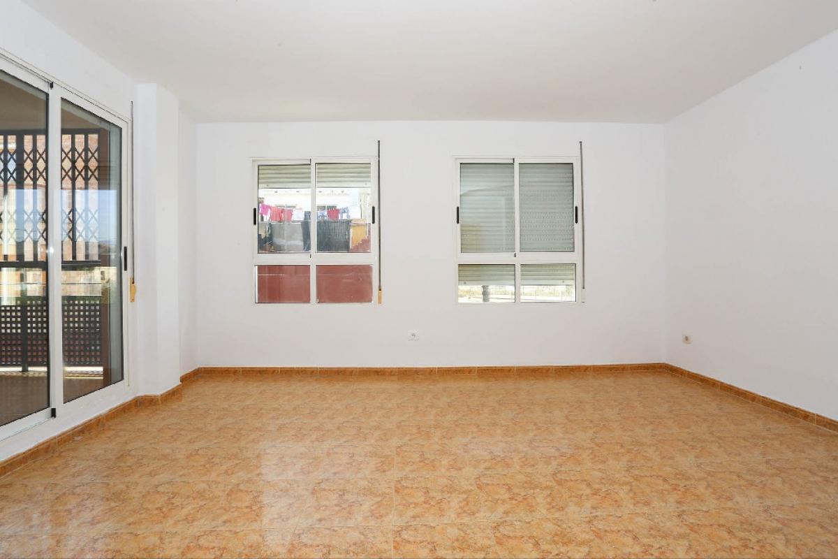 Piso en venta en Chilches/xilxes, Castellón, Calle Doctor Fleming, 81.500 €, 3 habitaciones, 2 baños, 125 m2
