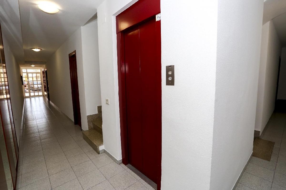 Piso en venta en Piso en Sant Joan de Moró, Castellón, 64.000 €, 4 habitaciones, 2 baños, 139 m2