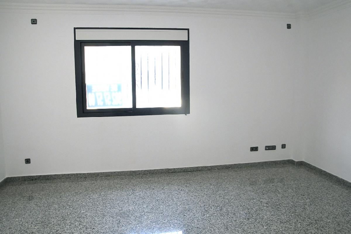 Piso en venta en La Nucia, Alicante, Calle Collao, 81.500 €, 2 habitaciones, 2 baños, 83 m2
