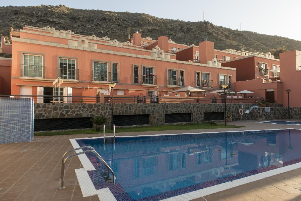 Piso en venta en Mogán, Las Palmas, Calle Madrid, 212.000 €, 2 habitaciones, 2 baños, 92 m2