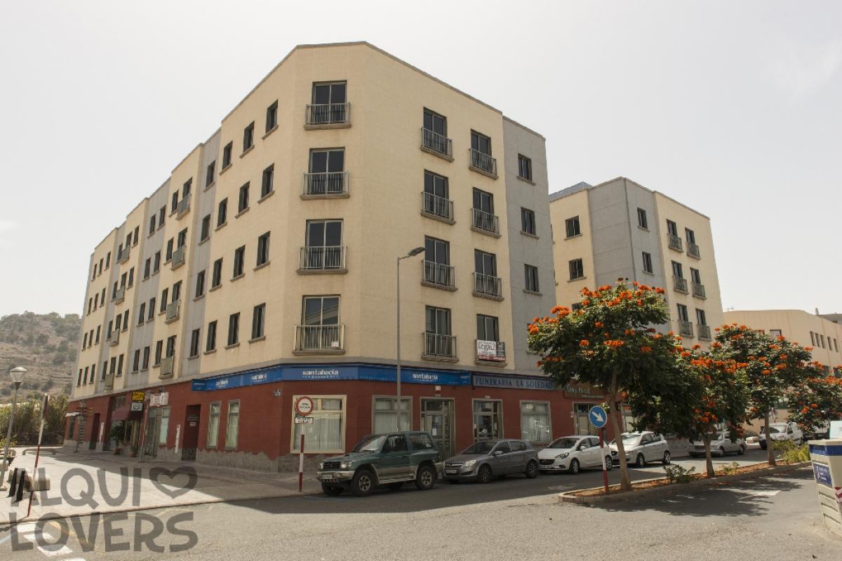 Piso en venta en Arucas, Las Palmas, Avenida Agustin Millares Carlo, 142.500 €, 3 habitaciones, 2 baños, 100 m2