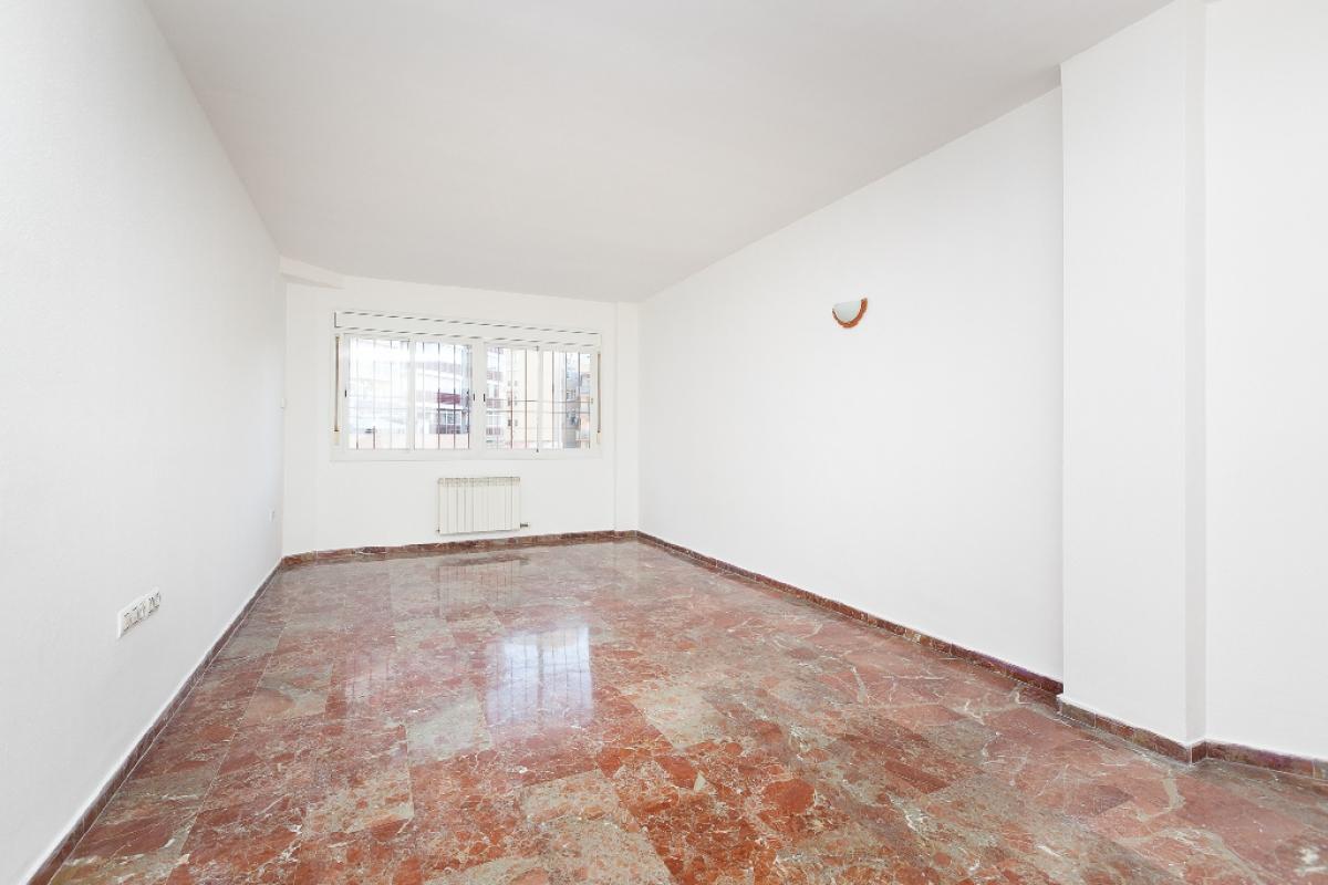 Piso en venta en Sabadell, Barcelona, Calle Salvat Papasseit, 176.500 €, 4 habitaciones, 2 baños, 100 m2